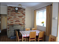 3/4 double Bedroom House with 2 Receptions in Barking IG11 7XA ==Part DSS Welcome==