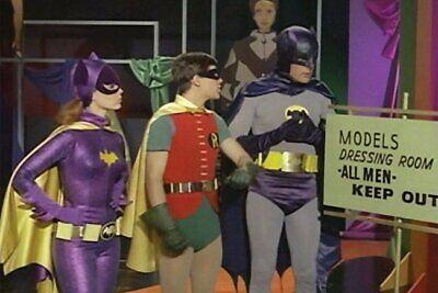 POSTCARD / Batman, Robin + Bat Girl / Models dressing room](Girl Batman)