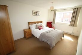 *CHEAP SINGLE ROOMS AND DOUBLES IN ZONE 1 !! CALL ME NOW@