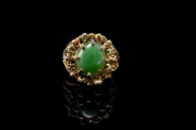 VINTAGE GREEN JADE STERLING RING  A96244