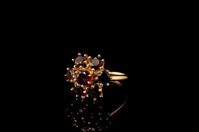ANTIQUE VICTORIAN BOHEMIAN GARNET CLUSTER 14K GOLD RING BR