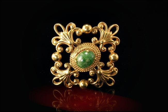 VINTAGE GREEN JADE GOLD FILLED PIN BROOCH A807-86