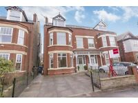 5 bed/3 bathroom deluxe newly renovated Victorian Semi
