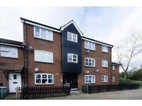 Lovely spacious two bedroom first floor flat in Beckton, E6