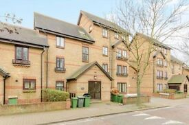*TO RENT* FANTASTIC 4 BED HOUSE IN BECKTON E6 , AVAILABLE NOW!!