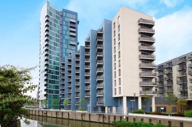 Stunning spacious two bedroom two bathroom apartment in George Hudson Tower in Stratford, E15