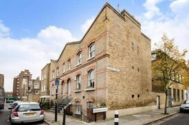Charming 1 double bedroom garden flat on a prestigious street minutes from Kennington Station