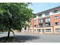 Modern 2 bed flat with en-suite in Yorkhill OFFERS OVER £175000