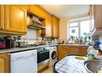 LARGE 2 BEDROOM FLAT IN THE HEART OF BRIXTON. AVAILABLE NOW!!!