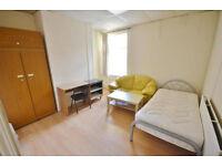 Large Double Bedroom-Luton Town(LU1)-Incl Bills