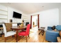 2 bedroom flat in Regal Building, Kilburn Lane,
