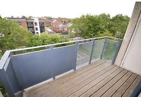 Newly refurbished 3 Bed Falt/Apartment Avalible for rent 30th July 2016