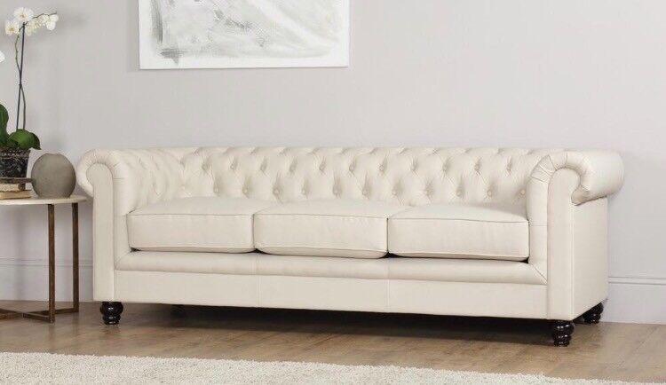 Charmant Hampton Ivory Chesterfield Sofa