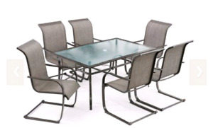 Used Table with 6 Chair's in Great Condition