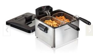 Hamilton Beach Deep Fryer with 3 frying baskets