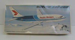 Vintage Boeing 737 Airplane Kit