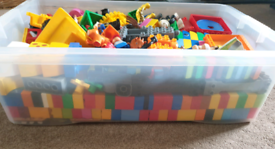 For sale is a collection if Lego Duplo various sets.