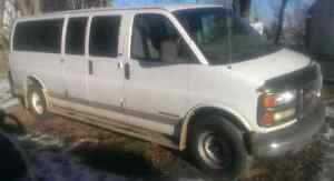 2000 Savana 3500 15 passenger DROPPED PRICE