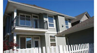 Executive 6 bed/3bath home with detached garage plus 2 kitchens