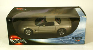 1:18 100% Hot Wheels BMW Saleen S7, Ford Mustang, Corvette