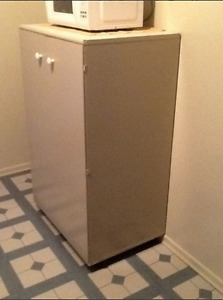 Cabinet/Cart/Stand for TV or Microwave