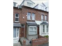 109 DUNLUCE AVENUE, 5 BEDROOMS, £1000PCM AVAILABLE JULY