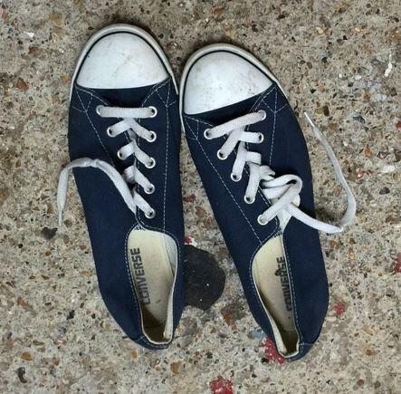 Converse all stars navy size 7 unisex