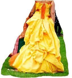 Stunning designer Evening Dress/Ball Gown . Fit woman size 10-14