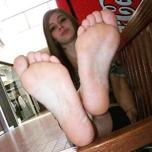 Looking for women interested in foot play after a workout London Ontario image 1