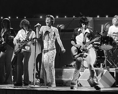 English Rock Band ROLLING STONES Glossy 8x10 Photo Mick Jagger Print Music