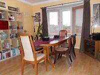 Excellent 2-3 bedroom large unfurnished flat to rent