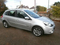 Renault Clio 1.2 ( 75bhp ) Sport Tourer 2011 Dynamique Tom Tom Family Hatchback