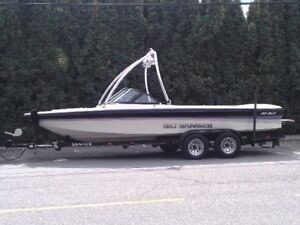 21' Open Bow Sanger Surf/Wakeboard /Ski Towboat - $9,650 (Yarrow
