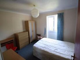 Very cute double bedroom, Lewisham se13, couple welcome, available now!