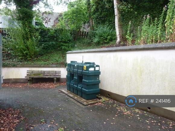 2 bedroom flat in Market Street, Enniskillen, BT74 (2 bed)