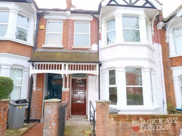 Newly decorated two storey period house with a private south facing garden