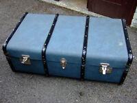 VINTAGE LARGE BLUE STEAMER TRAVEL TRUNK WITH WOOD BANDING.