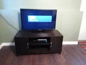 Tv stand   Like brand NEW !! $95 OBO