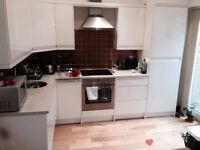 Massive 1 Bedroom Property (split level) N1(Islington)