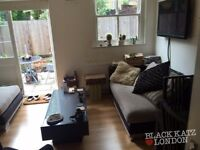 Stunning 2 bed period conversion with garden in Finsbury Park N4