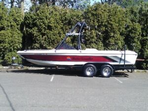 21' Malibu Open Bow Wakeboard / Ski Towboat - $12800 (Yarrow)