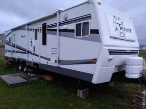 33' LOADED Terry 330FKDS Camper fiberglass outer walls