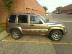 Selling jeep liberty (AS IS)
