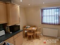really spacious 3 bed with kitchen / diner ideal