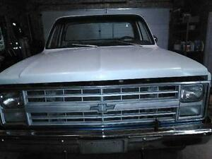81 GMC short box 4x4
