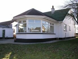Double room in detached bungalow