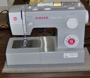 Singer Heavy-duty Sewing Machine (4411) free carrying case
