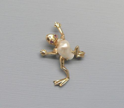 Incredible 14k Gold Frog Pin W/ Pearl & Gemstone Eyes
