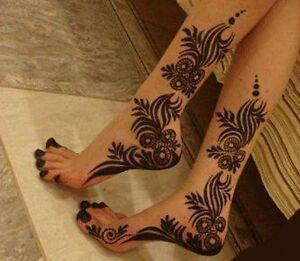 Simple beautiful and elegant henna designs