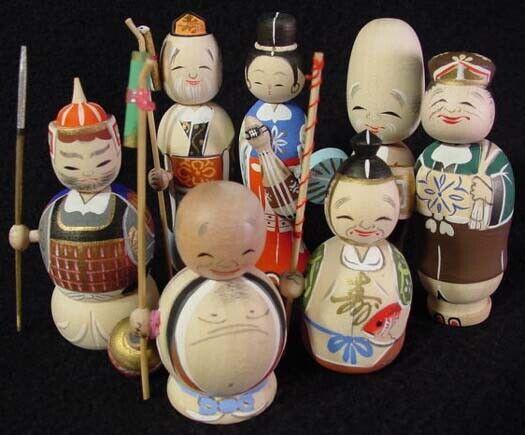 RARE 7 Lucky Gods Nodder Kokeshi Doll Set Fine Detail Old Stock 1960